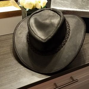 BC BLACK LEATHER  HAT IN THE POUCH ORIGINAL